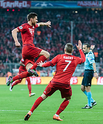 03.05.2016, Allianz Arena, Muenchen, GER, UEFA CL, FC Bayern Muenchen vs Atletico Madrid, Halbfinale, Rueckspiel, im Bild Torjubel Bayern Muenchen nach dem 1:0 durch Xabi Alonso (FC Bayern Muenchen), Franck Ribery (FC Bayern Muenchen) // Goal Celebration after the Opening Goal from Xabi Alonso (FC Bayern Muenchen) Franck Ribery (FC Bayern Muenchen) during the UEFA Champions League semi Final, 2nd Leg match between FC Bayern Munich and Atletico Madrid at the Allianz Arena in Muenchen, Germany on 2016/05/03. EXPA Pictures © 2016, PhotoCredit: EXPA/ JFK