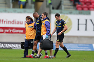 Simon Zebo of Munster leaves the field with an injury. Guinness Pro12 rugby match, Scarlets v Munster at the Parc y Scarlets in Llanelli, West Wales on Saturday 3rd September 2016.<br /> pic by  Andrew Orchard, Andrew Orchard sports photography.