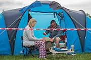 Civilised breakfast. The 2015 Glastonbury Festival, Worthy Farm, Glastonbury.