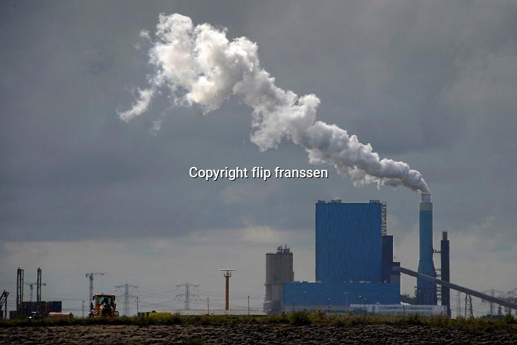 Nederland, Rotterdam, 3-9-2019 Maasvlakte. De elektriciteitscentrale van Engie, voorheen GDF-Suez, gdf, suez, gdfsuez. Kolencentrale, co2 uitstoot, kolen, kolengestookte, the new land. Haven, havengebied, port of rotterdam, roterdemse .Foto: Flip Franssen
