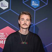 NLD/Amsterdam/20190613 - Inloop uitreiking De Beste Social Awards 2019, Bram Krikke