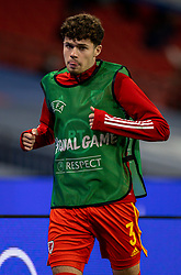 LONDON, ENGLAND - Thursday, October 8, 2020: Wales' substitute Neco Williams warms-up during the International Friendly match between England and Wales at Wembley Stadium. The game was played behind closed doors due to the UK Government's social distancing laws prohibiting supporters from attending events inside stadiums as a result of the Coronavirus Pandemic. England won 3-0. (Pic by David Rawcliffe/Propaganda)