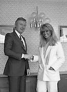Geraldine Brannigan meets Justice Minister Sean Doherty at the Burlington Hotel.1982.13.02.1982.02.13.1982.13th February 1982