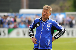 24.04.2014, Veltins Arena, Gelsenkirchen, GER, 1. FBL, Training Schalke 04, im Bild Co Trainer Peter Hermann ( Schalke 04 ) // during a Trainingsession of German Bundesliga Club Schalke 04 at the Veltins Arena in Gelsenkirchen, Germany on 2014/04/24. EXPA Pictures © 2014, PhotoCredit: EXPA/ Eibner-Pressefoto/ Thienel<br /> <br /> *****ATTENTION - OUT of GER*****