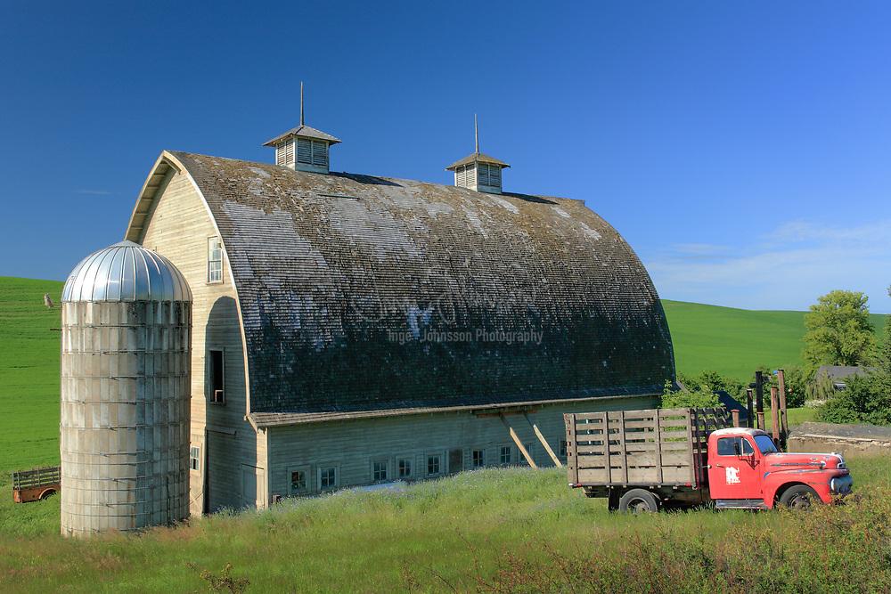 Farm buldings in the Palouse region of eastern Washington state, USA