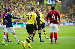 19.10.2013, Signal Iduna Park, GER, 1. FBL, GER, 1. FBL, Borussia Dortmund vs Hannover 96, 9. Runde, im Bild Hiroki Sakai (#4 Hannover) sieht die Gelbe Karte // during the German Bundesliga 9th round match between Borussia Dortmund and Hannover 96 Signal Iduna Park in Dortmund, Germany on 2013/10/19. EXPA Pictures © 2013, PhotoCredit: EXPA/ Eibner-Pressefoto/ Kurth<br /> <br /> *****ATTENTION - OUT of GER*****