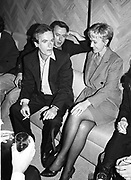 Martin Amis, Christopher Hitchens and Tina Brown. Martin Amis book party. New York. 1995. © Copyright Photograph by Dafydd Jones 66 Stockwell Park Rd. London SW9 0DA Tel 020 7733 0108 www.dafjones.com