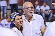 DESCRIZIONE : Campionato 2014/15 Serie A Beko Grissin Bon Reggio Emilia - Dinamo Banco di Sardegna Sassari Finale Playoff Gara7 Scudetto<br /> GIOCATORE : Geppi Cucciari Werther Pedrazzi<br /> CATEGORIA : Tifosi Pubblico Spettatori VIP<br /> SQUADRA : Dinamo Banco di Sardegna Sassari<br /> EVENTO : LegaBasket Serie A Beko 2014/2015<br /> GARA : Grissin Bon Reggio Emilia - Dinamo Banco di Sardegna Sassari Finale Playoff Gara7 Scudetto<br /> DATA : 26/06/2015<br /> SPORT : Pallacanestro <br /> AUTORE : Agenzia Ciamillo-Castoria/L.Canu