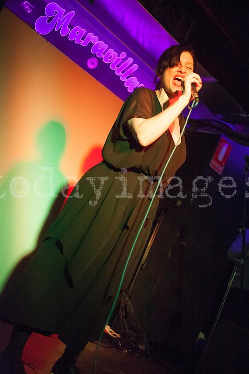 Hanin Elias performing at  Sala Maravillas, Madrid