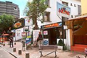 ECUADOR, QUITO, LIFESTYLE New Town Cyber Cafes