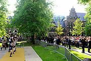 Koning Willem Alexander en Koningin Maxima op provinciebezoek in Groningen.<br /> <br /> King Willem Alexander and Queen Maxima visit the province of  Groningen<br /> <br /> Op de foto:  Stadswandeling van de Koning en Koningin door Groningen stad<br /> <br /> City tour of the King and Queen in Groningen city