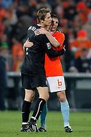 nederland - ijsland 11-10-2008 2 - 0<br /> <br /> edwin van der sar met mark van bommel