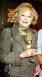 The COUNTESS OF DARTMOUTH, at a luncheon in<br />  London on 19th April 2000. OCZ 45 WOLO