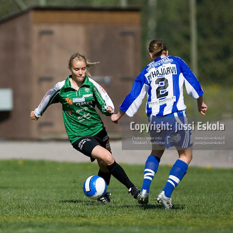 Tytti Porkka. TiPS-HJK, naisten SM-sarja, Tikkurila 20.5.2007. Photo: Jussi Eskola