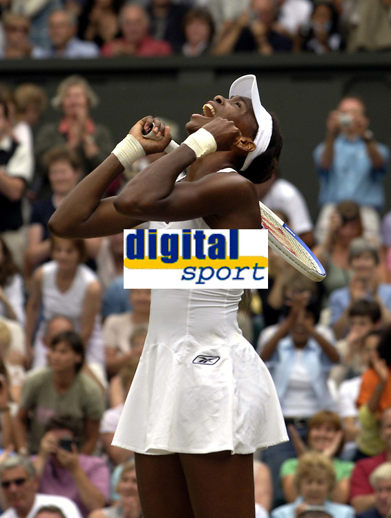 Tennis<br /> Foto: Colorsport/Digitalsport<br /> NORWAY ONLY<br /> <br /> Venus Williams (USA) celebrates winning the match. Venus Williams v Lindsay Davenport. Ladies Singles Final. 2/7/2005. Centre Court.  Wimbledon Tennis Championships 2005.