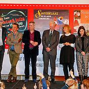 NLD/Amsterdam/20121113 - Presentatie DE Sinterklaasboekjes 2012, Carll Cneut, Herman Finkers, Jan Terlouw, Ann de Bode Carice van Houten