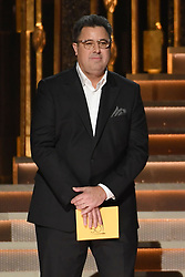 Vince Gill bei den 50. Country Music Awards in Nashville / 021116<br /> <br /> *** Country Music Awards 2016, Nashville, USA, November 2, 2016 ***