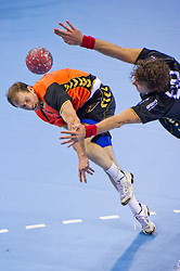 02-06-2011 HANDBAL: BEKERFINALE HURRY UP - O EN E: ALMERE<br /> Rik Philips<br /> ©2011-FotoHoogendoorn.nl / Peter Schalk
