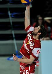 12-02-2012 VOLLEYBAL: BEKERFINALE EUPHONY ASSE LENNIK - NOLIKO MAASEIK: ANTWERPEN<br /> Noliko Maaseik wint vrij eenvoudig de beker van Belgie. In de finale waren zij met 25-21 25-18 en 25-19 te sterk voor Asse Lennik / Yannick van Harskamp<br /> ©2012-FotoHoogendoorn.nl