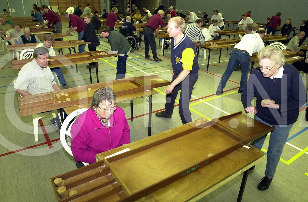 fotografie frank uijlenbroek©2001 frank brinkman.010414 ommen ned.caroussel open sjoel kampioenschappen.fu010414_08