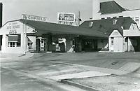 1970 Richfield gas station on the NE corner of Larchmont Blvd. & 1st St.