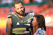 January 31 2016: Team Irvin Michael Bennett is interviewed after the Pro Bowl at Aloha Stadium on Oahu, HI. (Photo by Aric Becker/Icon Sportswire)