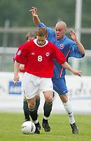 Football,  21. july 2002. European under 19 Championship. Norway v Slovakia. Tarjei Dale, Norge og Odd Grenland, og Filip Sebo, Slovakia og Køln.<br /> <br />  Fotball, 21. juli 2002. EM U.19. Norge - Slovakia.