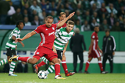 November 22, 2017 - Lisbon, Portugal - Olympiacos' Colombian midfielder Felipe Pardo (L) vies with Sporting's defender Stefan Ristovsk from Macedonia during the UEFA Champions League group D football match Sporting CP vs Olympiacos FC at Alvalade stadium in Lisbon, Portugal on November 22, 2017. Photo: Pedro Fiuza  (Credit Image: © Pedro Fiuza/NurPhoto via ZUMA Press)
