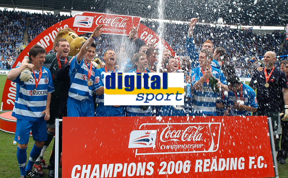 Photo: Ed Godden.<br /> Reading v Queens Park Rangers. Coca Cola Championship. 30/04/2006. Reading celebrate with the Championship trophy.