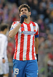 27.04.2013, Estadio Vicente Calderon, Madrid, ESP, Primera Division, Atletico Madrid vs Real Madrid, 33. Runde, im Bild Atletico de Madrid's Diego Costa dejected // during the Spanish Primera Division 33th round match between Club Atletico de Madrid and Real Madrid CF at the Estadio Vicente Calderon, Madrid, Spain on 2013/04/27. EXPA Pictures © 2013, PhotoCredit: EXPA/ Alterphotos/ Alvaro Hernandez..***** ATTENTION - OUT OF ESP and SUI *****