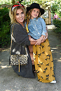 De zevende editie van de Mama Of The Year Awards 2015 in de Tolhuistuin, Amsterdam.<br /> <br /> Op de foto:  Charlotte Heitinga met dochter Jezebelle  Peggy Vrijens met dochter Anaisa