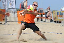 20160723 NED: NK Beachvolleybal 2016, Scheveningen <br />Sven Vismans<br />©2016-FotoHoogendoorn.nl / Pim Waslander