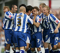 Fotball<br /> England 2005/2006<br /> Foto: imago/Digitalsport<br /> NORWAY ONLY<br /> <br /> 29.08.2005  <br /> Torjubel Huddersfield, u.a. mit: Chris Brandon (3.v.re.), Tom Clarke (re.) und  Danny Adams