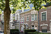 Wohnhäuser am Bld. Dolez, Mons, Hennegau, Wallonie, Belgien, Europa   houses on Bld. Dolez, Mons, Hennegau, Wallonie, Belgium, Europe