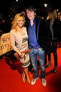 Premiere van de film Sonny Boy op maandag 17 januari in het Circus Theater in Scheveningen.<br /> <br /> Op de foto:<br /> <br />  Erik de Zwart en partner