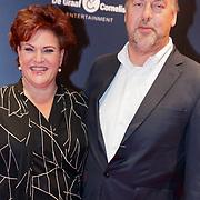 NLD/Amsterdam/20181022 - Inloop premiere Evita,Marjolein Touw en partner Roy