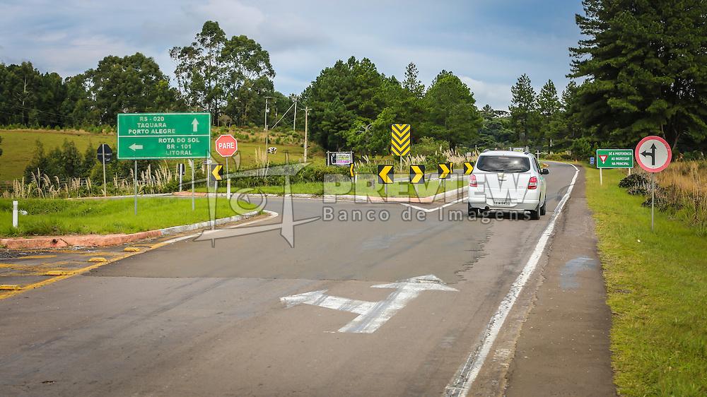 Banco de imagens das rodovias administradas pela EGR - Empresa Gaúcha de Rodovias. ERS-020 Entr. ERS-235 Canela - Acesso norte a São Francisco de Paula. FOTO: Jefferson Bernardes/ Agencia Preview