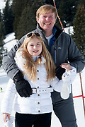 Fotosessie met de koninklijke familie in Lech /// Photoshoot with the Dutch royal family in Lech .<br /> <br /> Op de foto/ On the photo: Kioning Willem Alexander met prinses Amalia ///// King Willem Alexander with princess Amalia