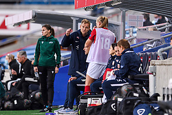 OSLO, NORWAY - Tuesday, September 22, 2020: Norway's head coach Martin Sjögren speaks with substitute Frida Leonhardsen Maanum  during the UEFA Women's Euro 2022 England Qualifying Round Group C match between Norway Women and Wales Women at the Ullevaal Stadion. Norway won 1-0. (Pic by Vegard Wivestad Grøtt/Propaganda)