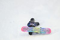 Snowboard , X-Games Oslo <br /> 27. Februar 2016  , 20160226<br /> Snowboard, Big Air Tøyen<br /> Jamie Anderson blødde etter dette fallet på sitt første hopp <br /> Foto: Sjur Stølen / Digitalsport