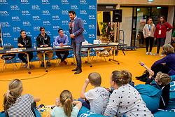 06-01-2018 NED: DELA Beach Open day 4, Den Haag<br /> Entertainment voor de jeugd in het Dela Beach Huis, Reinder Nummerdor