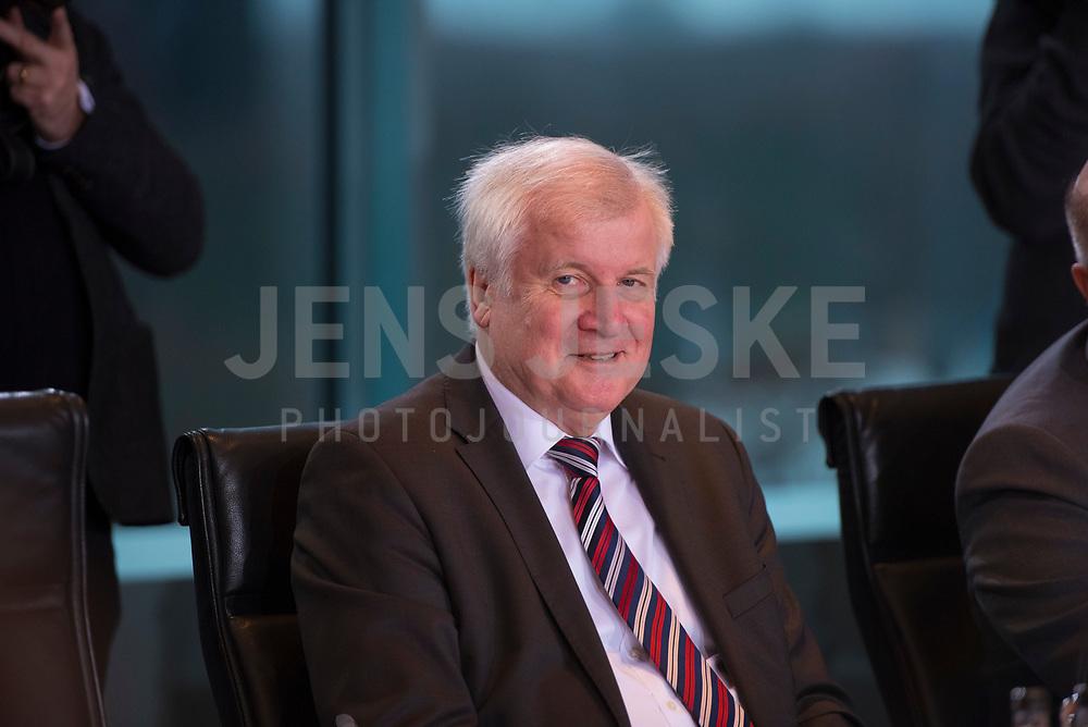 DEU, Deutschland, Germany, Berlin, 09.01.2019: Bundesinnenminister Horst Seehofer (CSU) vor Beginn der 36. Kabinettsitzung im Bundeskanzleramt.
