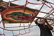 Vicam, Sonora. Mexico: preparativi per la festa della vergine di Guadalupe