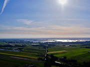 Nederland, Noord-Holland, Hilversum, 14–05-2020;  zicht op de Loosdrechtse Plassen in het avondlicht.<br /> <br /> luchtfoto (toeslag op standaard tarieven);<br /> aerial photo (additional fee required)<br /> copyright © 2020 foto/photo Siebe Swart