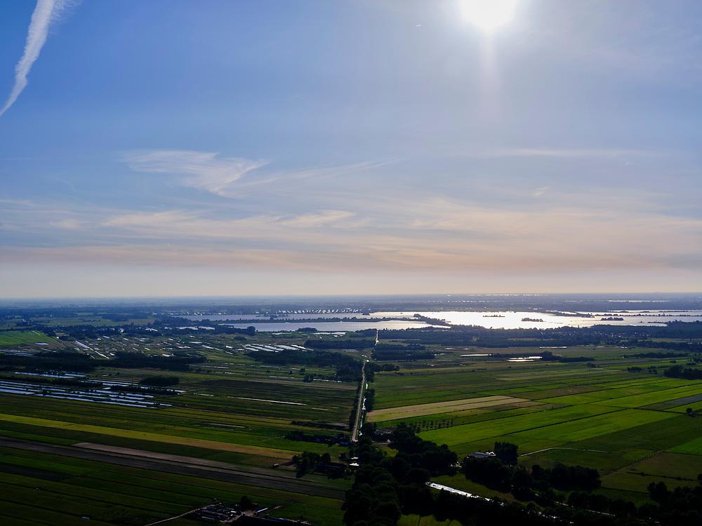 Nederland, Noord-Holland, Hilversum, 14–05-2020;  zicht op de Loosdrechtse Plassen in het avondlicht.<br /> <br /> luchtfoto (toeslag op standaard tarieven);<br /> aerial photo (additional fee required)<br /> copyright © 2020 foto/photo Siebe Swart
