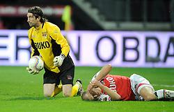03-04-2010 VOETBAL: AZ - FC UTRECHT: ALKMAAR<br /> FC utrecht verliest met 2-0 van AZ / Joey Didulica en Regnar Klavan<br /> ©2009-WWW.FOTOHOOGENDOORN.NL