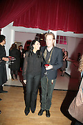 Martine McCutcheon and Rhys Ifans,  Whitechapel and Hogan present Art Pls Drama Party 2007. Whitechapel Gallery. London. 8 March 2007. -DO NOT ARCHIVE-© Copyright Photograph by Dafydd Jones. 248 Clapham Rd. London SW9 0PZ. Tel 0207 820 0771. www.dafjones.com.