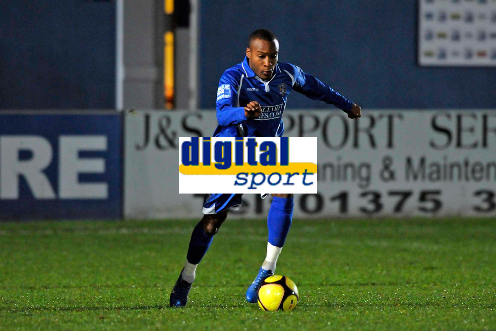 Ishmael Welsh (Grays). Grays Athletic Vs Carlisle United. FA Cup 1st round replay. The New Recreation Ground. Essex. 18/11/2008. Credit Colorsport/Garry Bowden