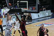 Basketball: Deutschland, 1. Bundesliga, Hamburg Towers -  Telekom Baskets Bonn, Hamburg, 12.02.2021<br /> Justus Hollatz (Towers, l.) - James Thompson IV (Bonn)<br /> © Torsten Helmke