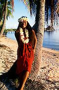 Polynesian woman, Rangiroa, Fench Polynesia